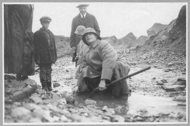 Lindeberg panning gold in a shovel at Pioneer Mine