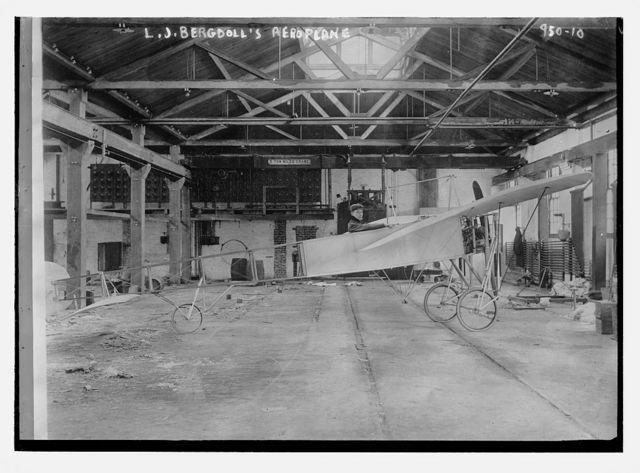 L.J. Bergdoll's aeroplane in hangar