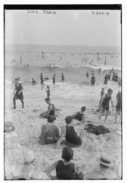 Long Beach [picnicers]
