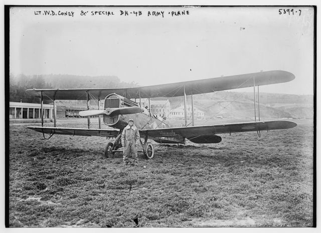 Lt. W.D. Coney & Spec. DH - 4B Army plane
