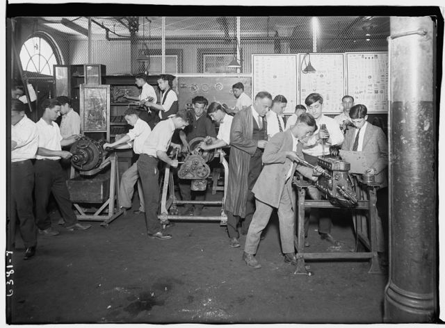 Machine shop class