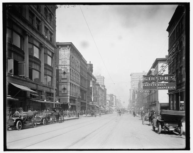 [Main Street, north from Gayoso Avenue, Memphis, Tenn.]