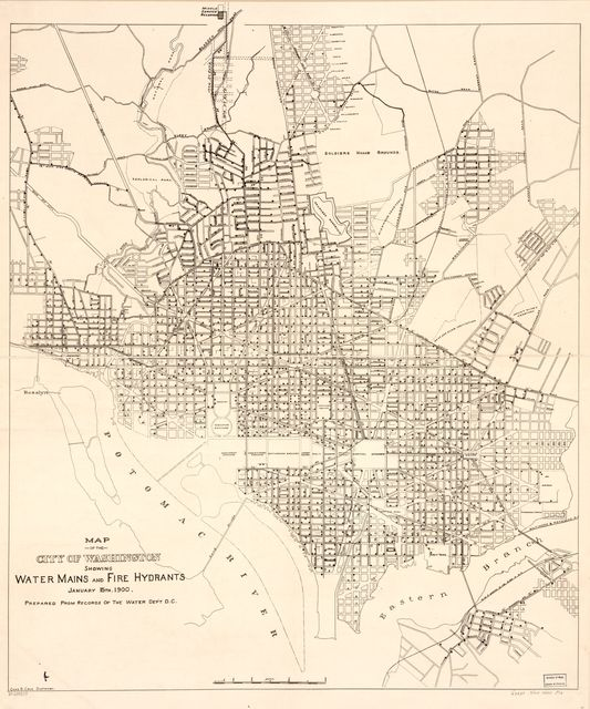 Map of the city of Washington showing water mains and fire hydrants : January 15th 1900 /