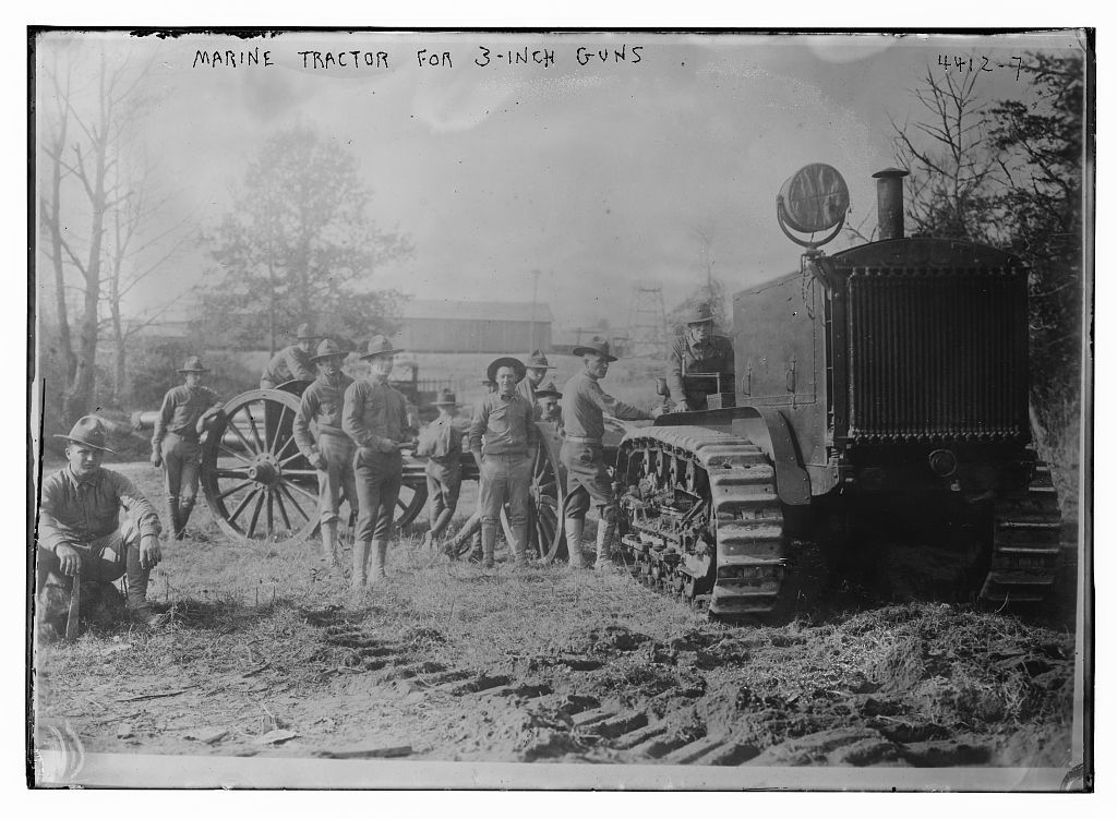 Marine tractor for 3-inch guns