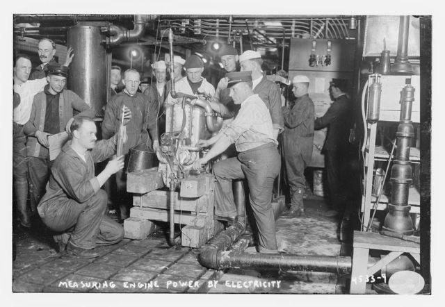 Measuring engine power by electricity