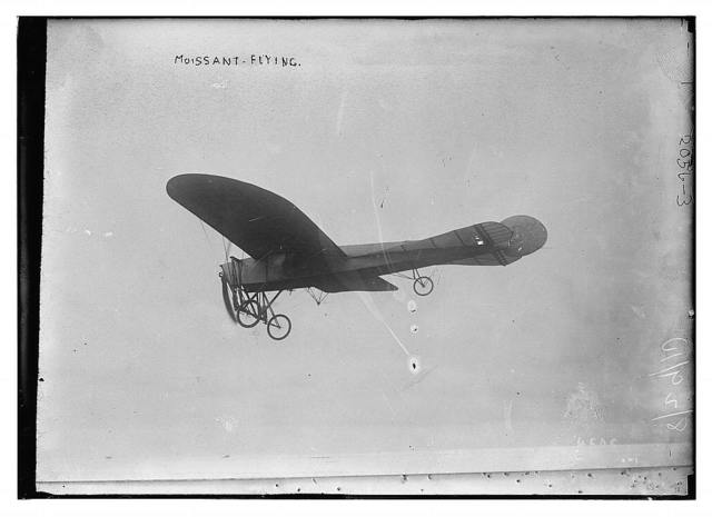 Moissant flying