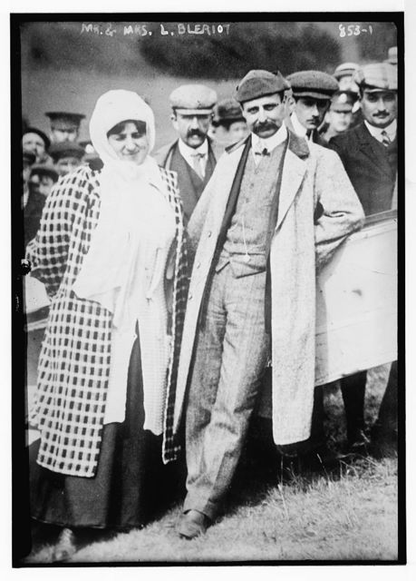 Mr. and Mrs. L. Bleriot, with crowd