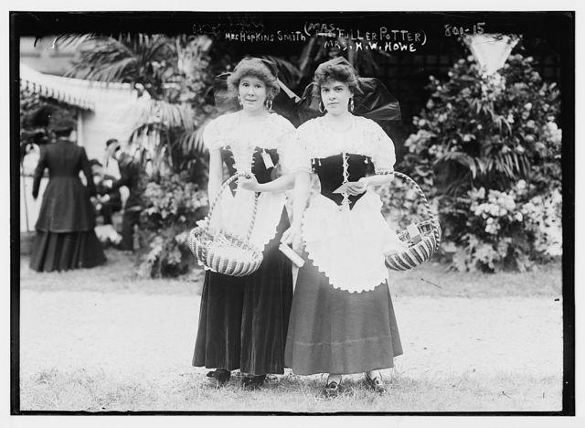 Mrs. Hopkins Smith (Mrs. Fuller Potter), and Mrs. H.W. Howe, Hope Farm Fair