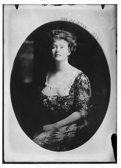 Mrs. Jos. Leiter, cameo portrait