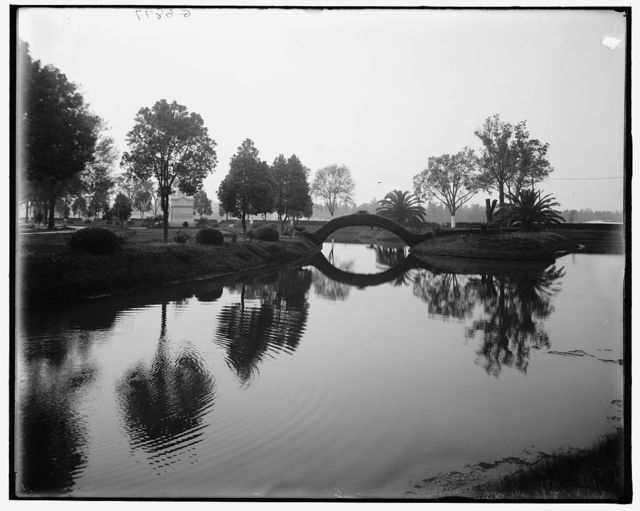 [New Orleans, La., Navigation Canal, Metairie Cemetery]