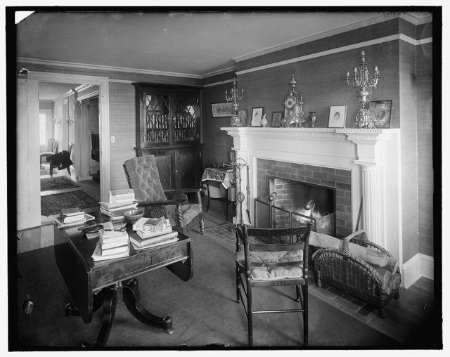 [New York City, interior E 2 (living room)]