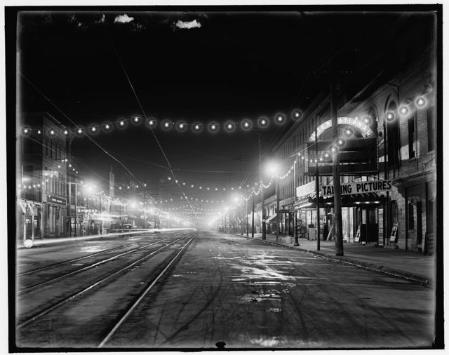 [Niagara Falls, N.Y. Falls Street at night]