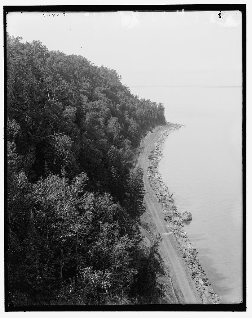 [North Boulevard from Arch Rock, Mackinac Island, Mich.]