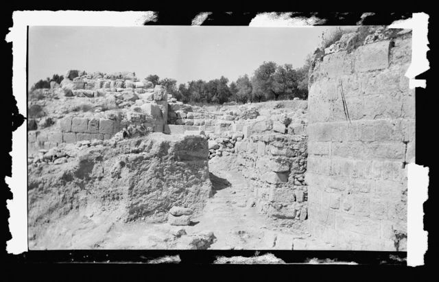 Northern views. The excavations at Samaria. Herodian level of the city gate