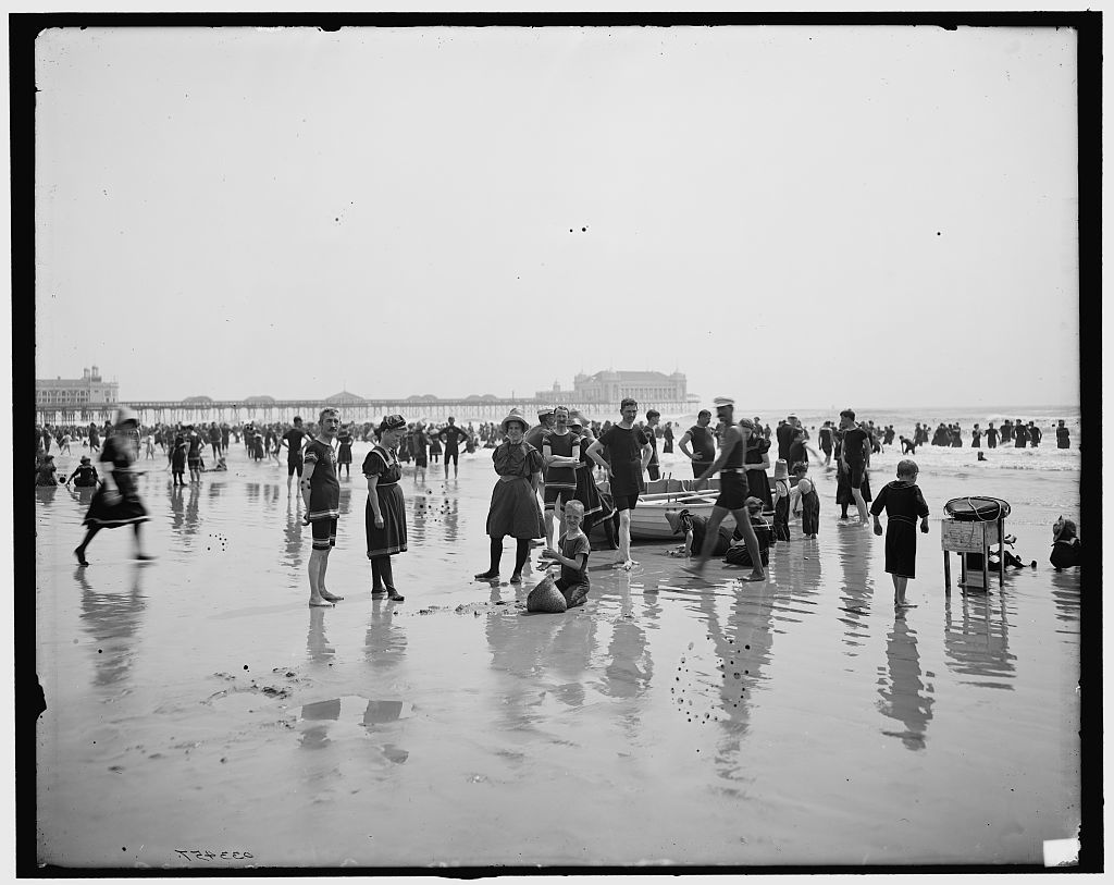 [On the beach, Atlantic City, N.J.]