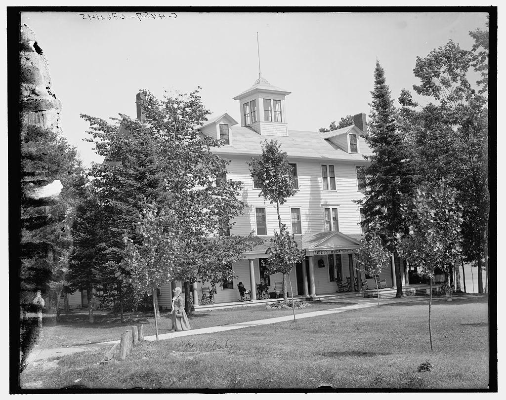 [Pike's Summer Hotel, Hamill's Inland Route, Cheboygan-Petoskey, Mich.]
