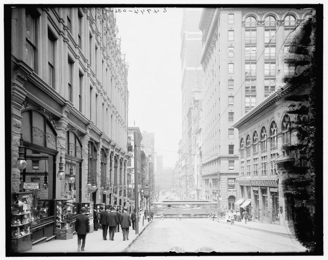 [Pittsburg, Pa., Fifth Avenue, looking north]