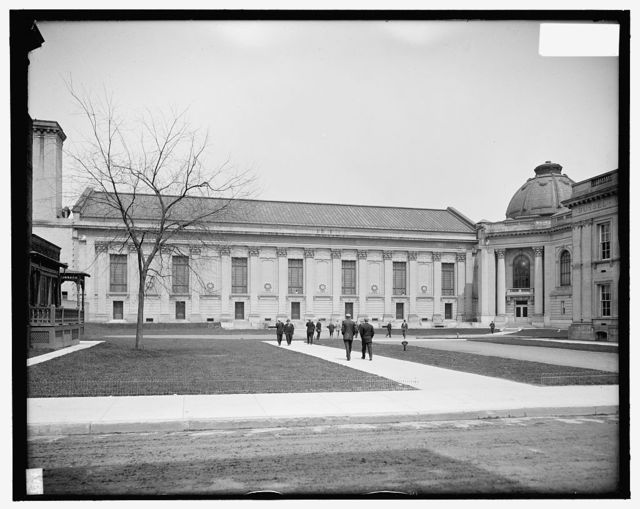 [Rear, Woolsey Hall, Yale University, New Haven, Conn.]
