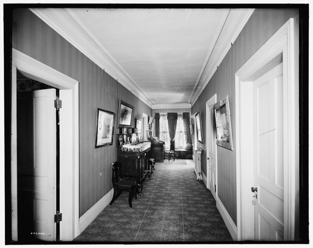 [Residence of Mrs. H.C. Parke, upper hall, Detroit, Mich.]