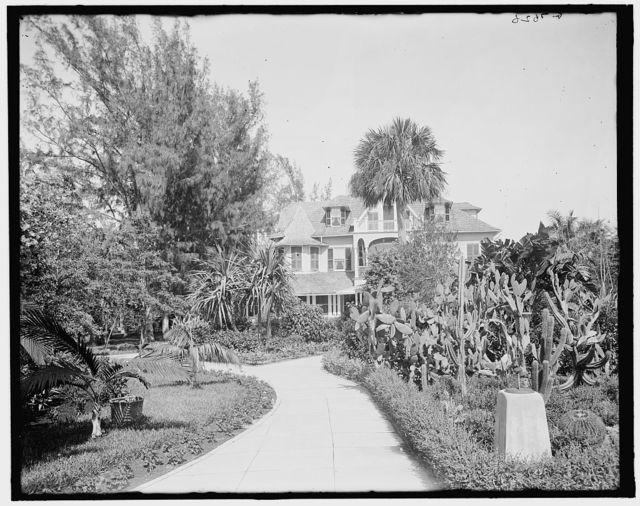 [Reve d'ete (Garden of Eden), home of C.L. Cragin, West Palm Beach, Fla.]
