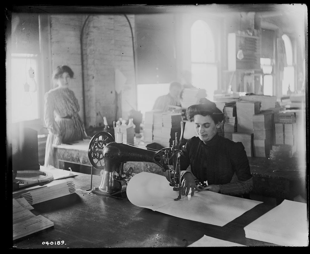 [Richmond & Backus Co. sewing room, Detroit]