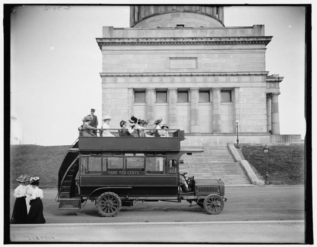 [Rubber-neck auto, Riverside Drive, New York, N.Y.]