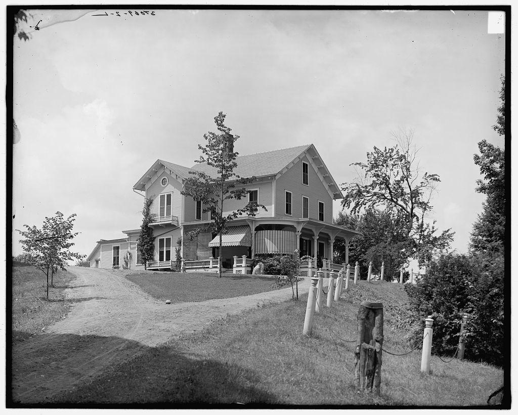 [Rutland, Vt., Dorr Place (the Maples) & Dorr Road]