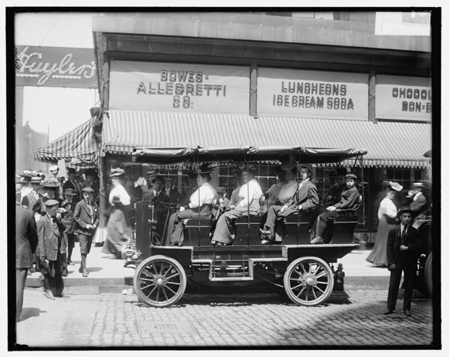 [Seeing Chicago, auto at Monroe near State, Chicago, Ill.]