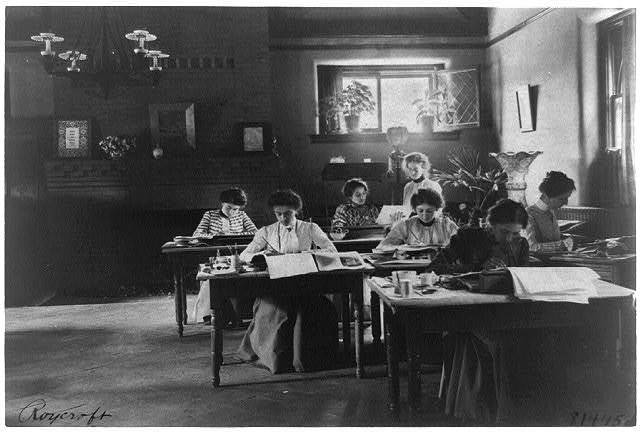 [Seven women working in Roycroft shop, E. Aurora, N.Y.]