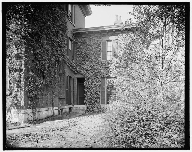 Side entrance, J.H. Patterson's residence, Dayton, O[hio]