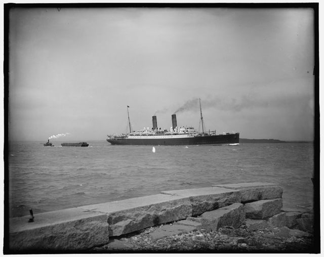 [S.S. Franconia passing Castle Island, Boston harbor]
