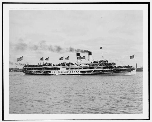 Steamer Tashmoo, Dewey Naval Parade, Detroit River