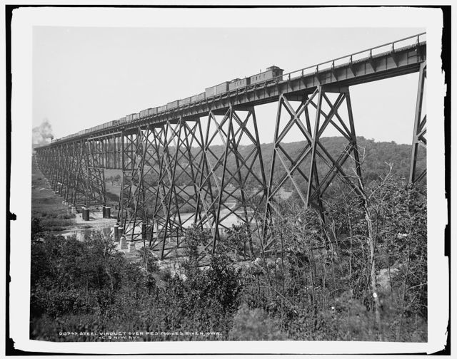 Steel viaduct over Des Moines River, Iowa, C. & N.W. Ry. [i.e. Chicago & North Western Railway]