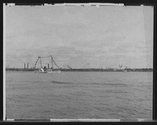 [Str. Tashmoo, Dewey Naval Parade, Detroit, Mich.]