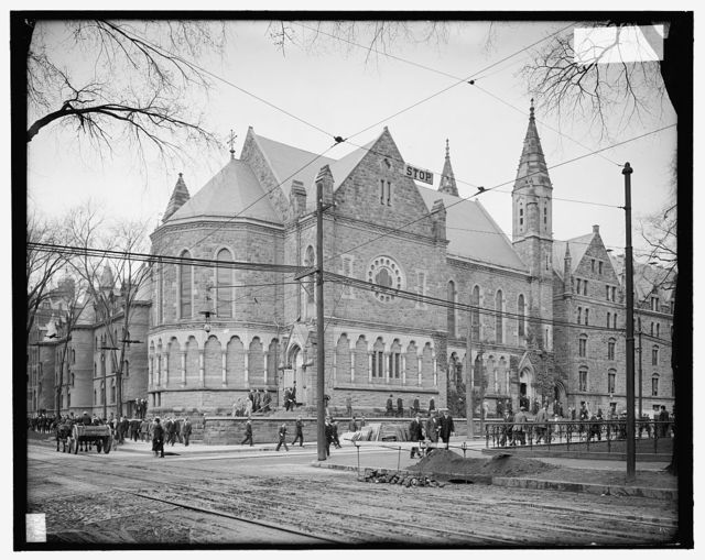 [Students leaving Battell Chapel, Yale University, New Haven, Conn.]