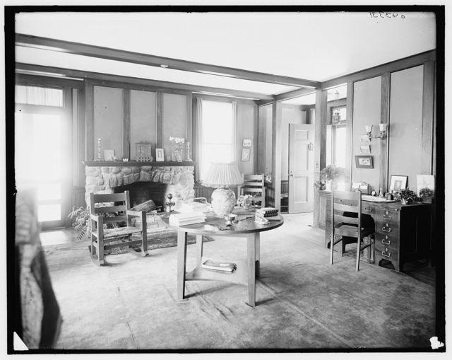 [Suburban home of Mrs. Robert Hoe Jr., living room, Port Washington, New York]