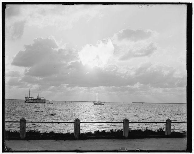 [Sunrise or moonlight on the Miami River, Miami, Fla.]