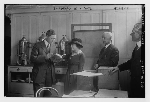 Swearing in a vote, Helen Moser, G.S. Mitchell