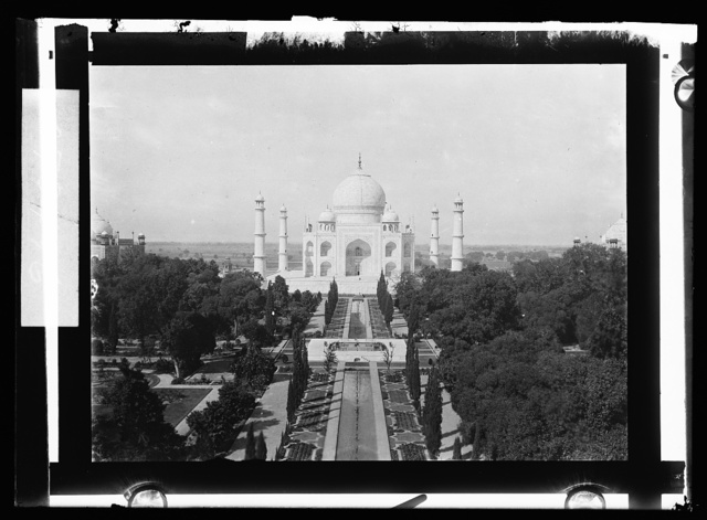 [Taj Mahal, Agra, India]