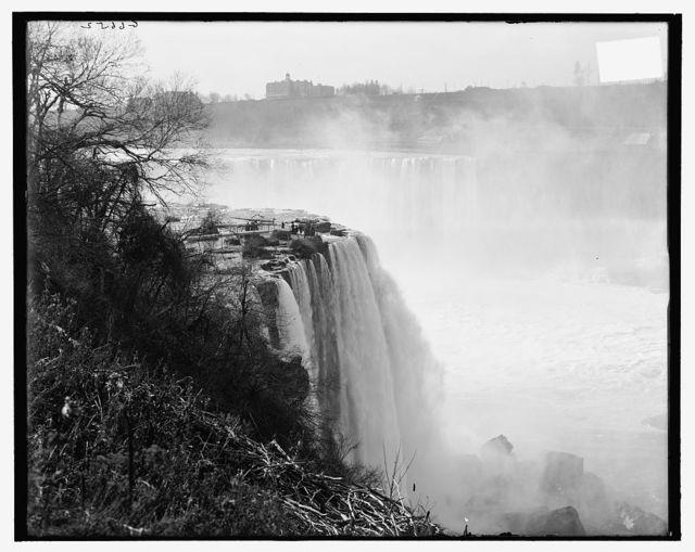 [Terrapin Point, Goat Island, Horseshoe Falls, Niagara Falls, N.Y.]
