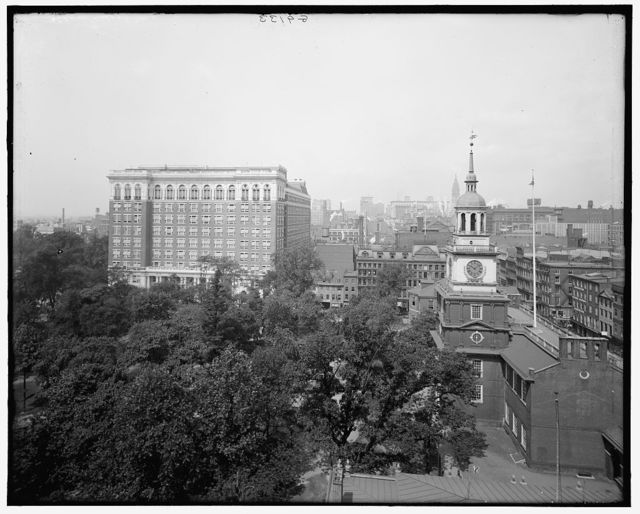 [The Curtis Publishing Company Building and Independence Hall, Philadelphia, Pa.]