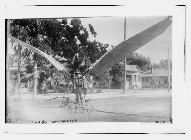 Twining ornithopter, flying machine with bird-like wings