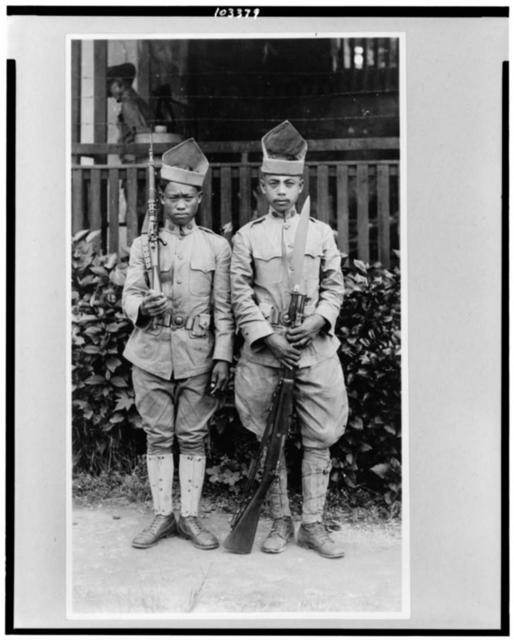 [Two Moro soldiers, Philippine Islands]