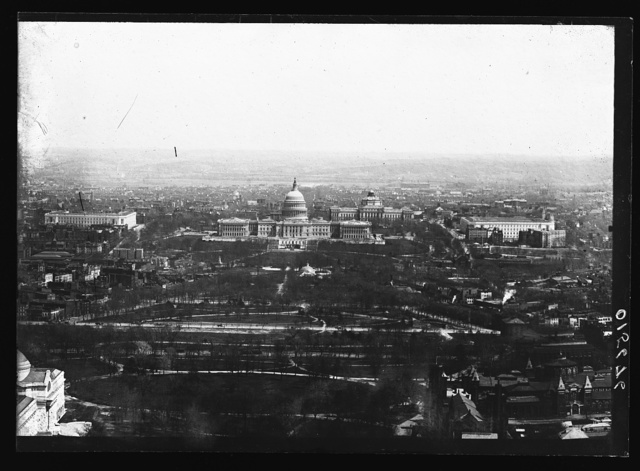 [United States Capitol and Mall, bird's-eye view, Washington, D.C.]