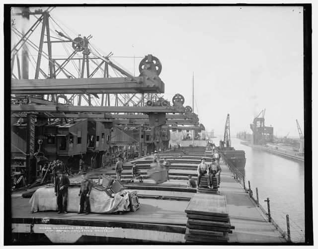 Unloading ore at Conneaut, Ohio, Brown conveying hoists