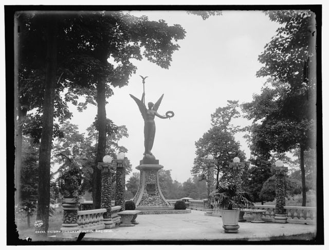 Victory monument, Put-In-Bay, Ohio