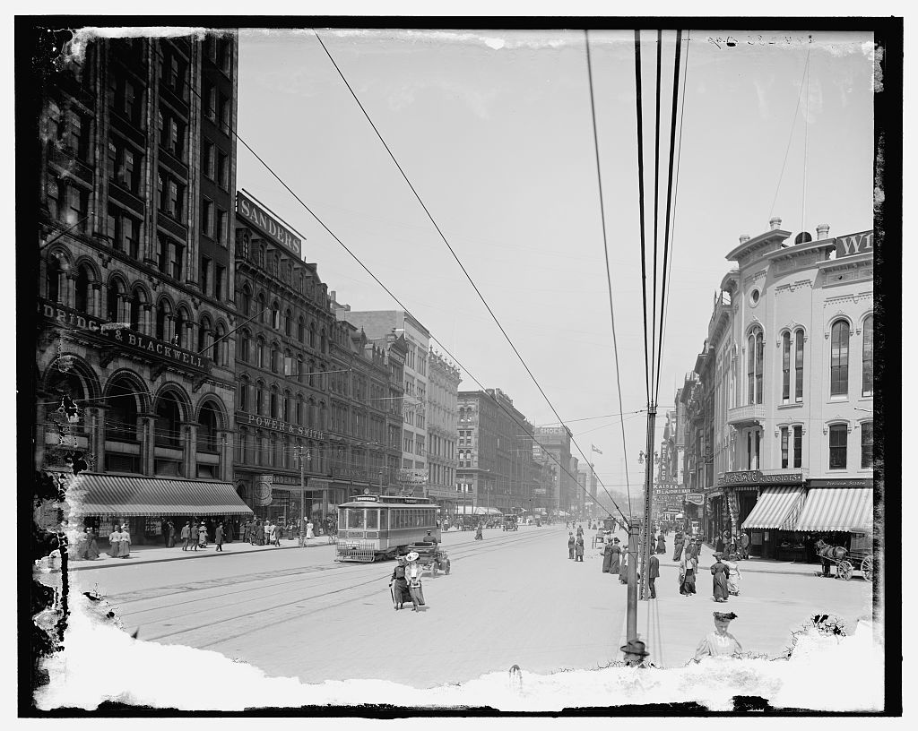 [Woodward Avenue north from Opera House corner, Detroit, Mich.]