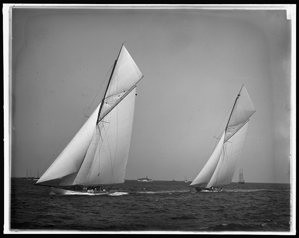 [America's Cup Races, 10-3-01, Columbia and Shamrock II before the start]