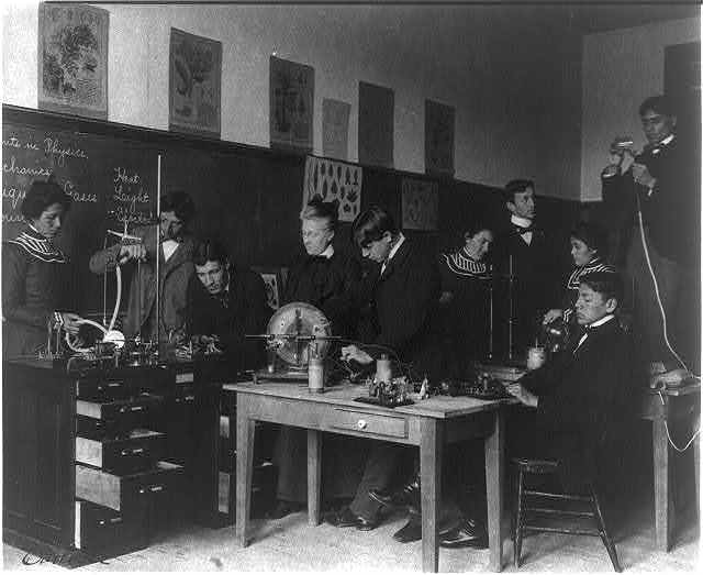 [Carlisle Indian School, Carlisle, Pa. Experiments in physics class]