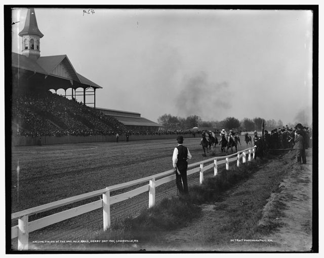 Finish of the one mile race, Derby Day 1901, Louisville, Ky.